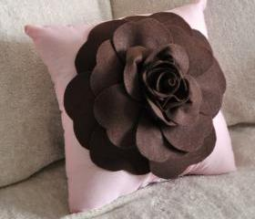 Brown Daisy Light Pink Pillow